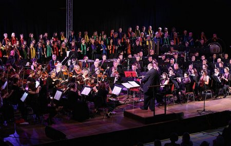 """Classic meets Pop"" in Wermelskirchen - ein Bad in Musik und Menge"