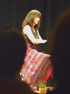 Luiza Borac lässt den Zauber der Musik leuchten